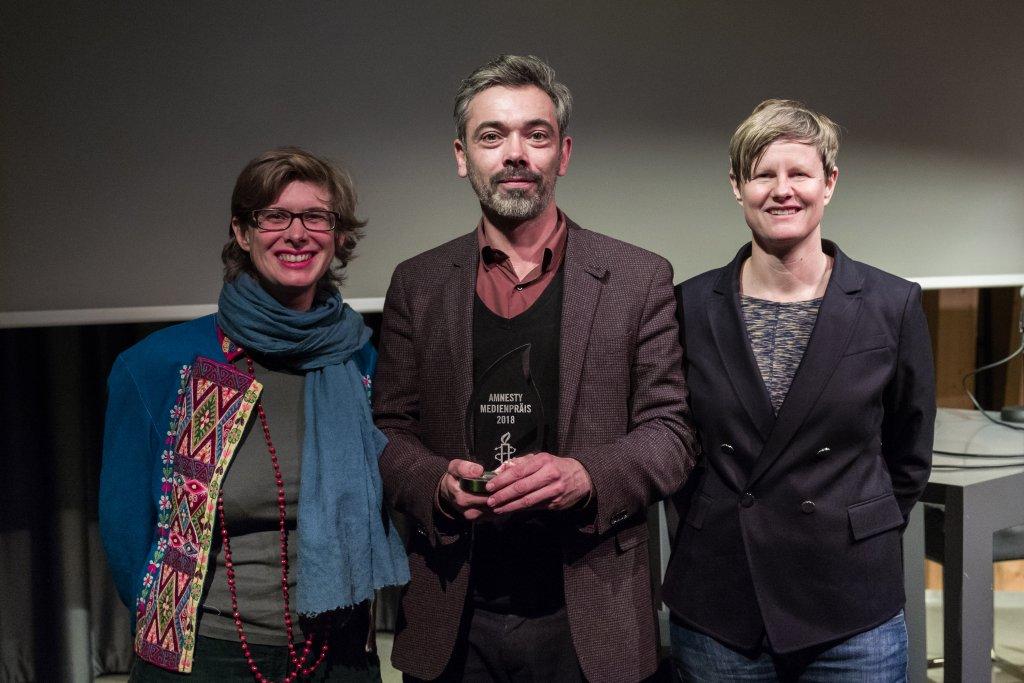 Armand Back gagne l'Amnesty Mediepräis 2018